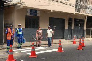 Faixas de pedestre são revitalizadas pela Prefeitura de Manhuaçu