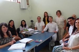 Profissionais da saúde discutem tratamento de Leishmaniose