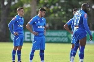 Cruzeiro relaciona atletas para o jogo desta segunda-feira