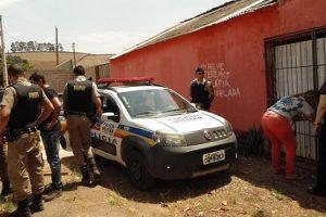 Operação policial fecha zona boêmia e ponto de tráfico de drogas em Divino