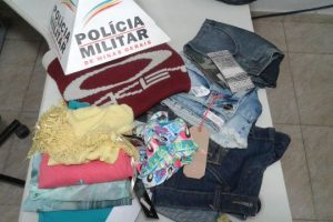 Manhuaçu: PM prende autor e recupera peças de roupas furtadas