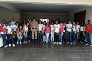 11º BPM recebe visita de alunos de Santo Antônio do Grama