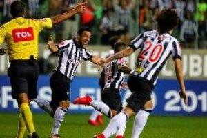 Atlético goleia o Coritiba: 3 a 0