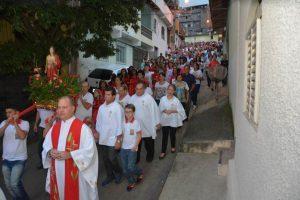 Festa de Santa Luzia recebe centenas de fiéis