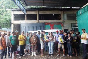 ASCAMARE recebe alimentos da Feira da Paz