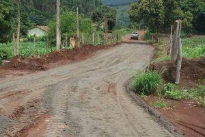 Manhuaçu: Estrada de Bom Jesus de Realeza recebe melhorias
