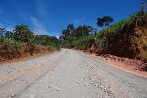 Prefeitura melhora estradas rurais de Manhuaçu