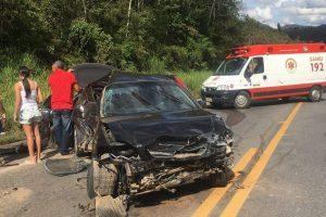 Acidente envolve três veículos e deixa feridos na BR 262 no ES
