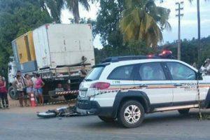 Mutum: Jovem motociclista morre após colidir em caminhão