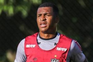Atlético empresta Erazo ao Vasco