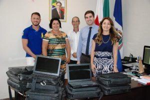 Prefeitura recebe computadores doados pela Caixa Econômica Federal