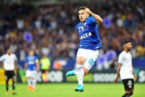 Cruzeiro estreia com vitória: 2 a 0 no Tupi