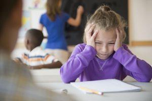 Problemas na decodificação dos sons prejudica desempenho escolar
