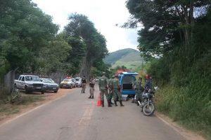 Manhuaçu: Homem fura bloqueio da PM, atropela policial, é atingido por tiro e morre