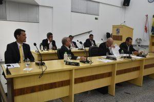 Câmara de Manhuaçu aprova projetos para criação da Secretaria do Meio Ambiente e vaga de coordenador da UPA