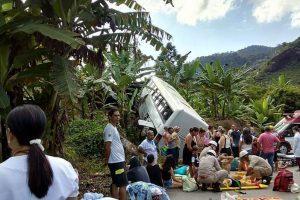 Ônibus de Mutum sofre acidente no Espírito Santo