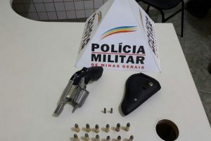 Manhuaçu: PM apreende armas e munições durante cumprimento de mandados