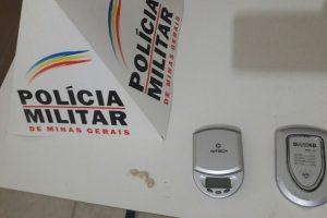 PM recupera celulares em Manhumirim