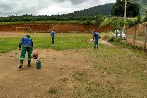 Manhuaçu: Campo de futebol de Vilanova recebe melhorias do Samal