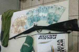 Espera Feliz: PM prende autores de roubo e recupera dinheiro