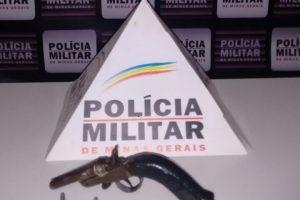 Mutum: Arma de fogo é apreendida com autor de ameaça