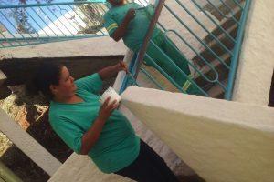 SAMAL realiza pintura de escadaria, capina e roçagem