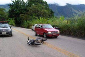 Acidente de motocicleta mata jovem