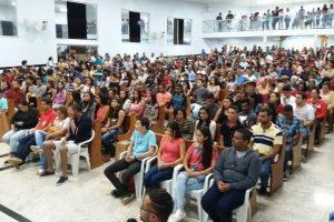 Encontro de jovens com Cristo reúne juventude em Realeza