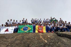 Soldados alunos do 11º BPM no Pico da Bandeira