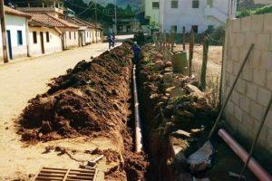 Manhuaçu: Rede de esgoto é ampliada em Palmeiras