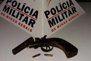Mutum: PM apreende arma de fogo e prende autor