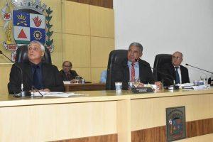 Manhuaçu: IPTU e aumento de bolsas de estudo são temas na reunião dos vereadores