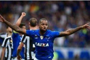 Brasileirão: Gol de Dedé dá a 1ª vitória ao Cruzeiro
