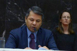 Deputado mineiro quer proibir menores de 12 anos de usar redes sociais no Estado