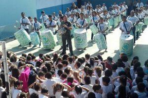 Crianças e jovens do Pro-In se apresentam na EE Monsenhor Gonzalez