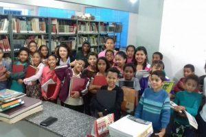 Estudantes da Escola Sônia Maria Batista da Silva visitam Biblioteca