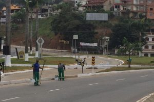 Manhuaçu: Trevo do Cafeicultor recebe nova pintura e limpeza