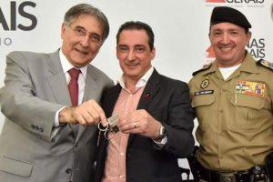 PM de Manhuaçu recebe duas novas viaturas