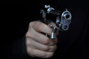Casal é alvo de tiros em Santa Margarida