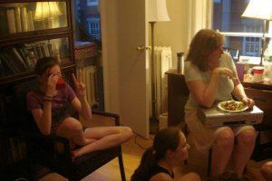 """Amigos fazem surpresa e """"salvam"""" mulher com depressão"""