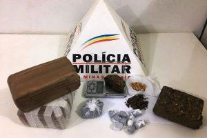 Barras de maconha e pedras de crack apreendidas em Simonésia