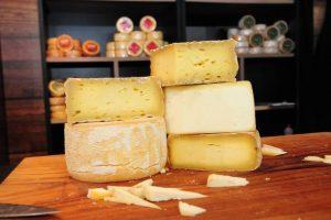 Nova lei federal permite a venda do queijo artesanal mineiro em outros estados