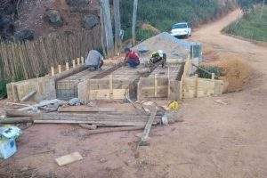 Manhuaçu: Ponte de concreto é construída na comunidade de Soledade