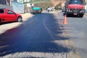 Manhuaçu: Avenida Tancredo Neves recebe novo asfalto