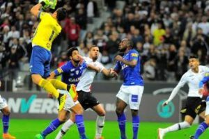 Corinthians bate o Cruzeiro de 2 a 0 em São Paulo