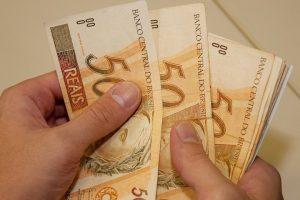 Parcelamento de salários prosseguirá em Minas Gerais