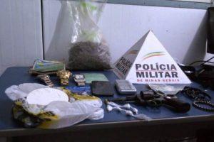 Manhuaçu: PM apreende drogas e prende casal acusado de tráfico de drogas