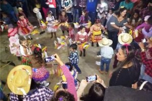 Creche e EMEI de Ponte do Silva realizam animada festa julina