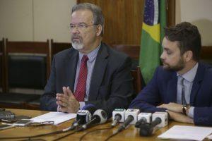 Governo lança política para empregar detentos e egressos de presídios