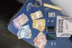 PM recebe denúncia a apreende drogas no Bairro Santa Terezinha